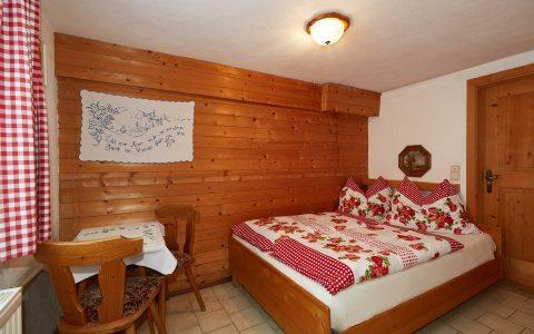 Schlafzimmer Almhütte Wagrain